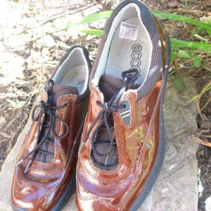 ECCO Brown Patent Leather Lace Up Shoes 37 US 6.5